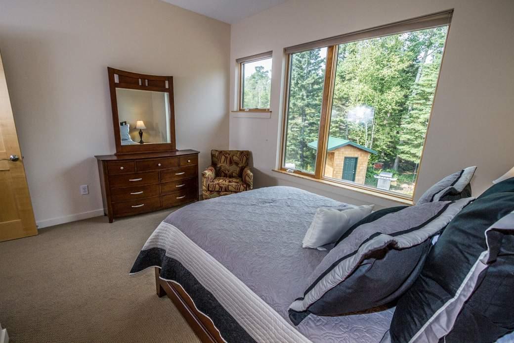 Q13-6548-5-Bedroom2-4