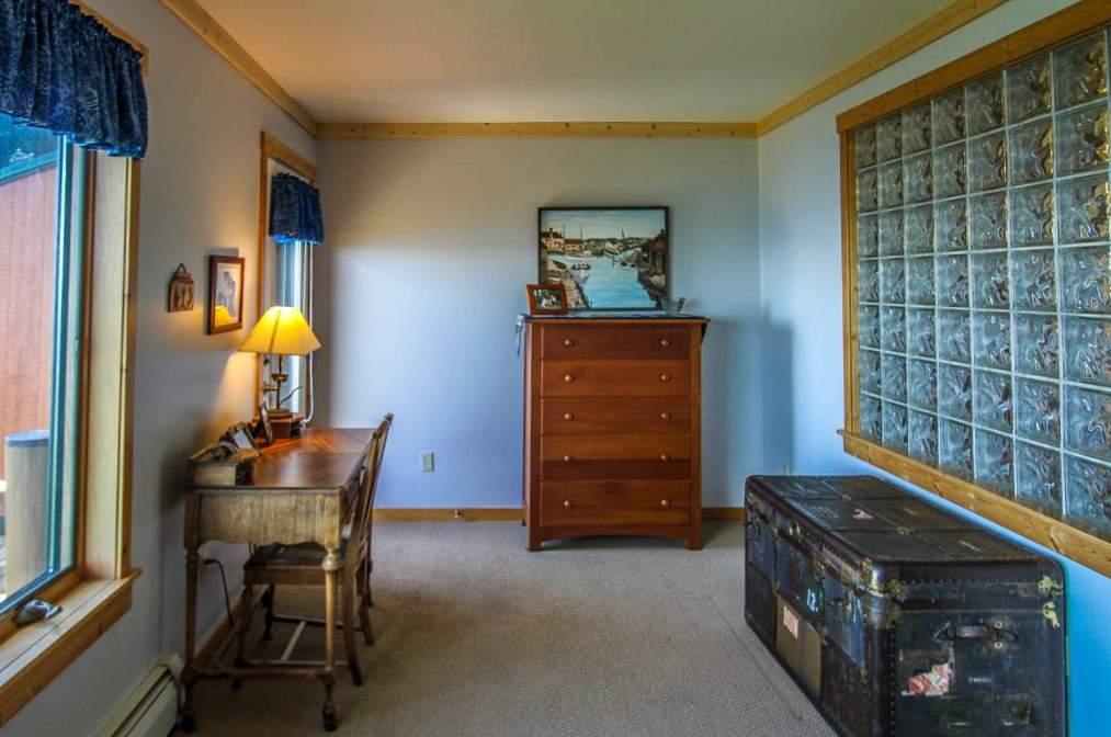 Q11-Aspenwood6526-5-Bedroom1-2