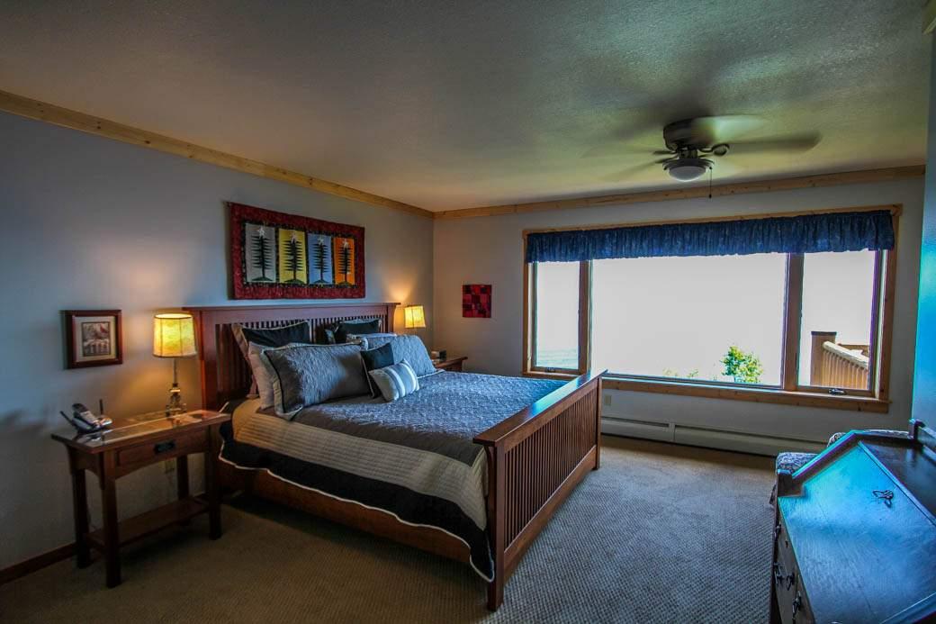 Q12-Aspenwood6526-5-Bedroom1-3