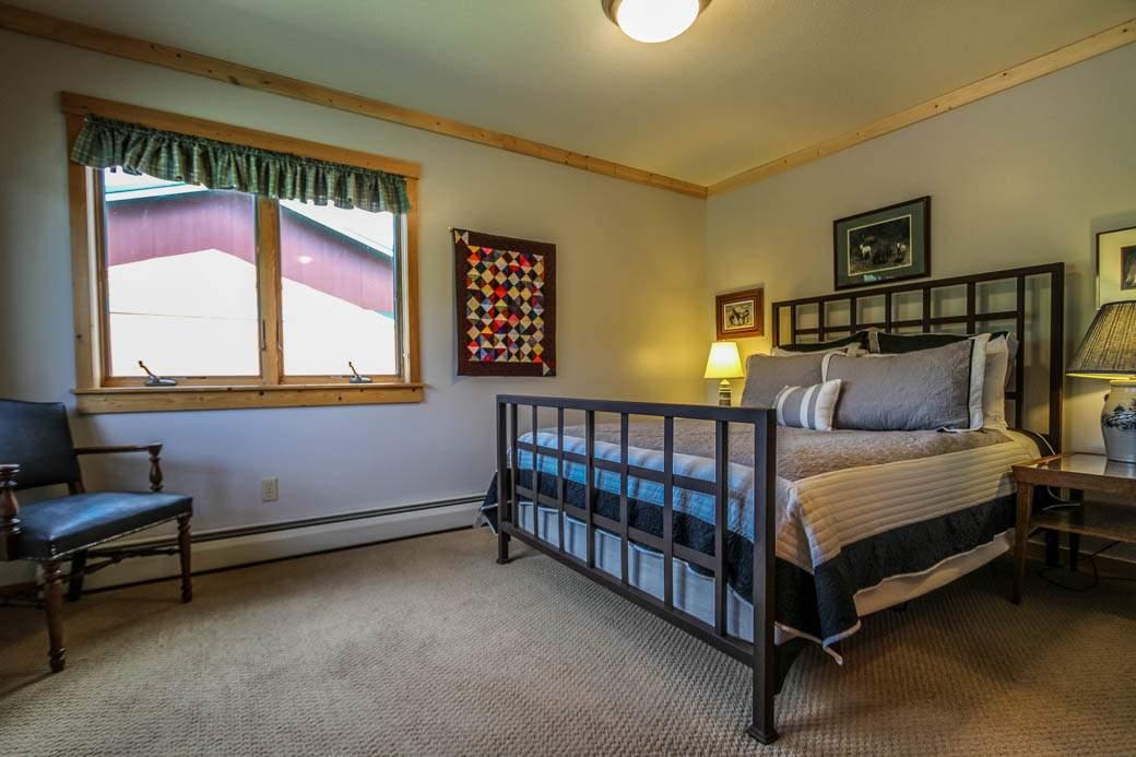Q15-Aspenwood6526-5-Bedroom2-1
