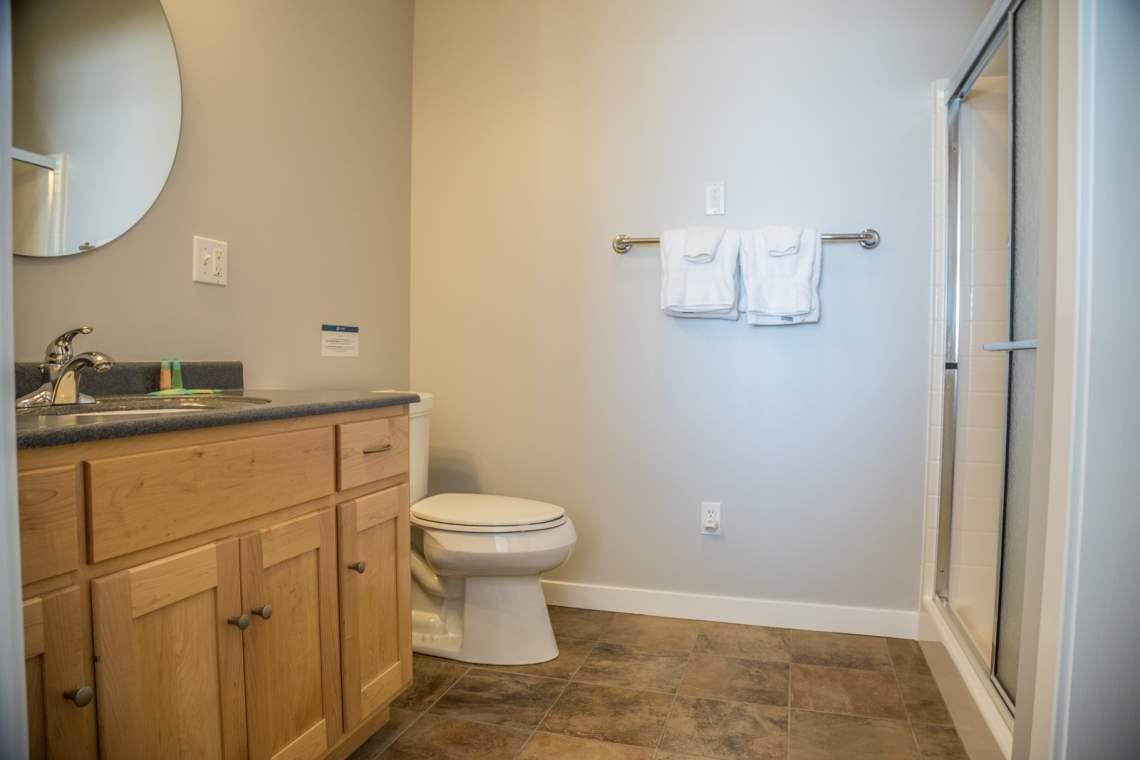 Aspen6538-6-Bathroom2-1