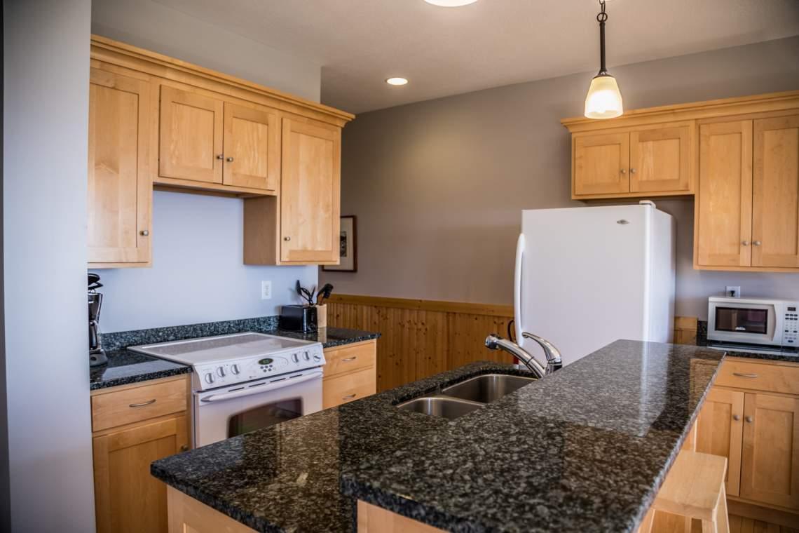 Q5-Aspenwood6540-3-Kitchen2