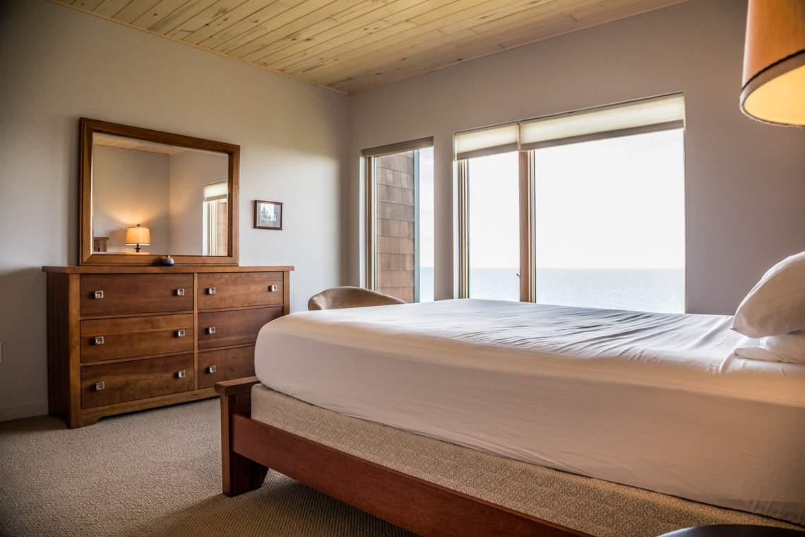 Q10-Aspenwood6542-4-Bedroom1-3