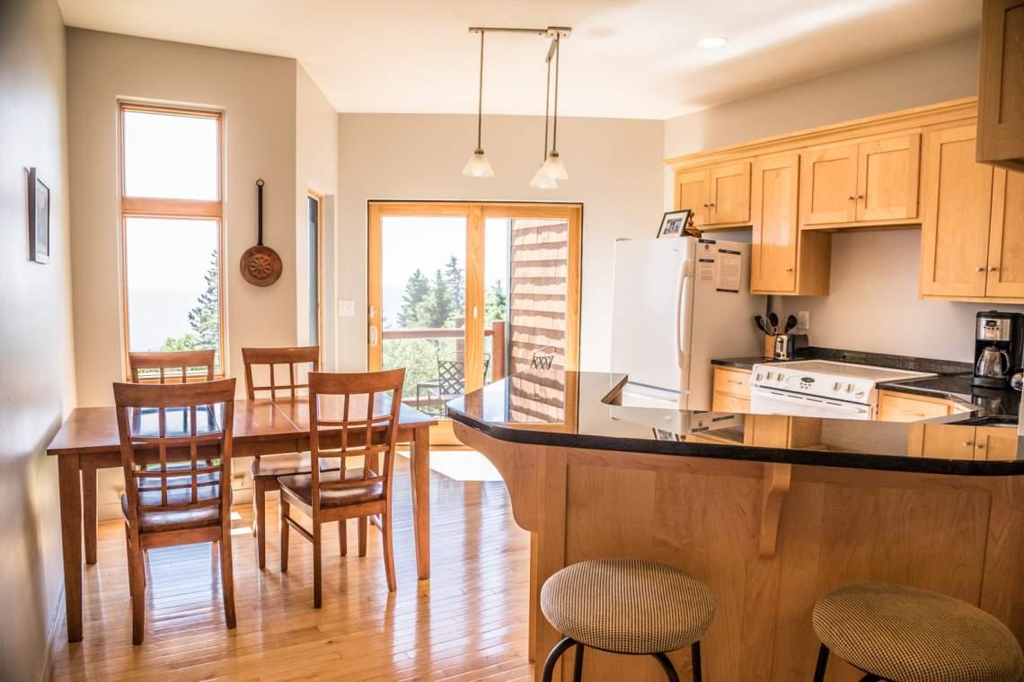 Q3-Aspenwood6542-3-Kitchen1