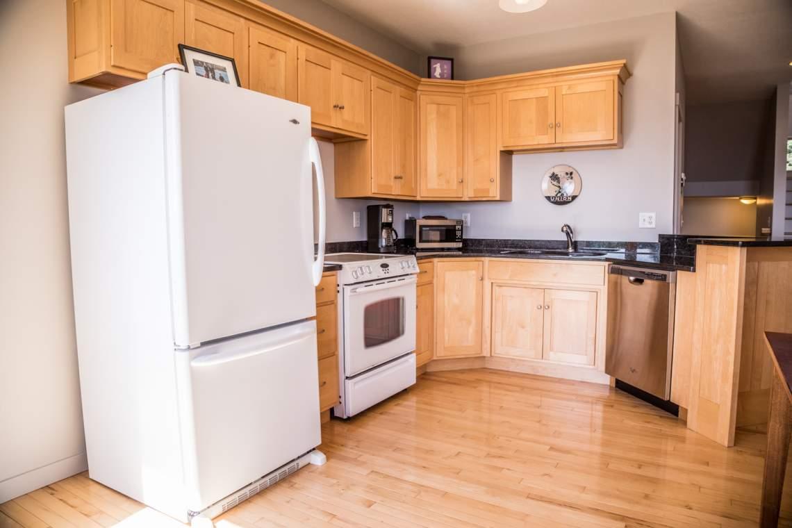 Q4-Aspenwood6542-3-Kitchen2