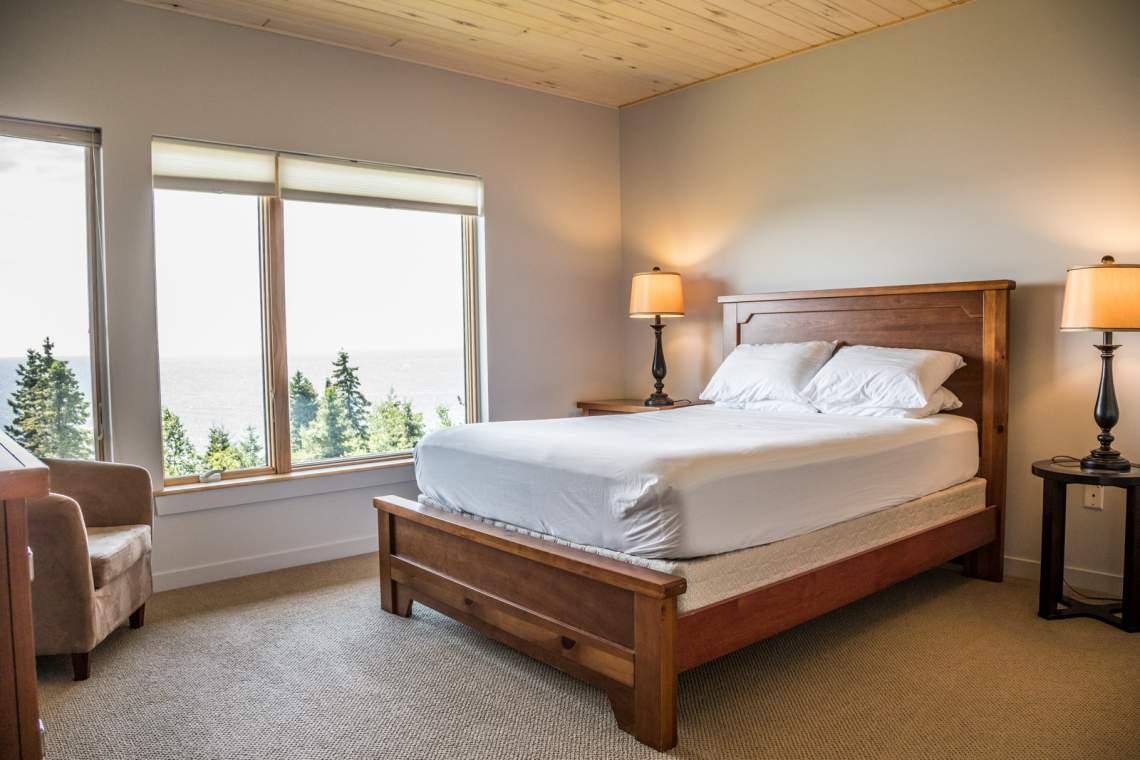 Q9-Aspenwood6542-4-Bedroom1-1