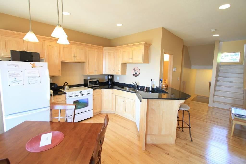 6542 Kitchen