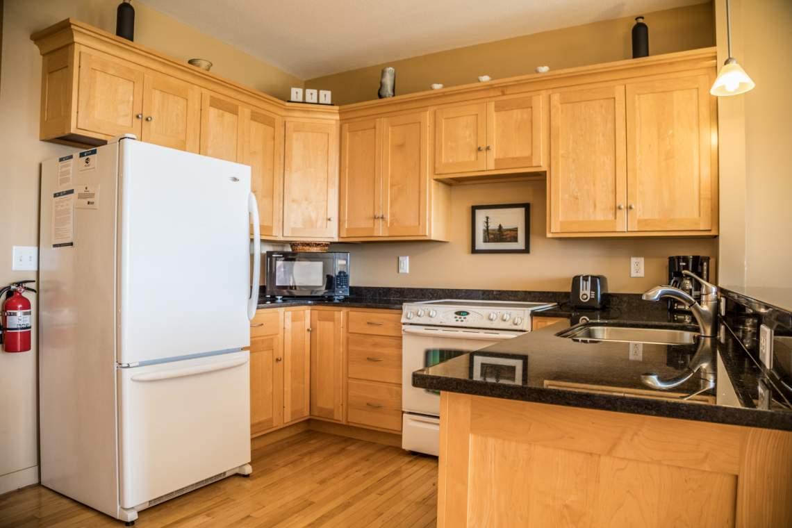 Q5-Aspenwood6544-3-Kitchen2