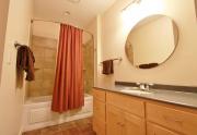6544 Bathroom2