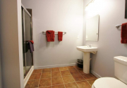 6544 Bathroom3