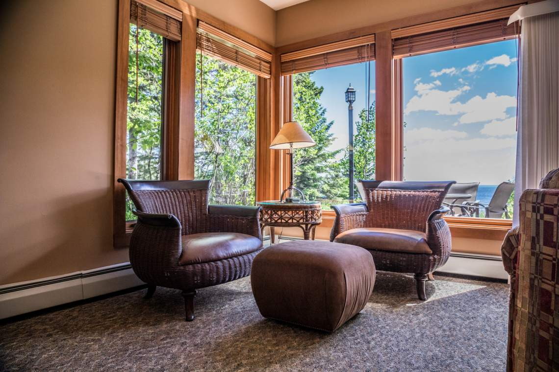Q10-Corner-Chairs-180A2722